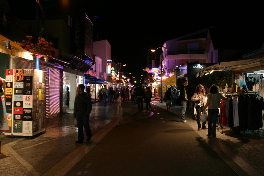 Animations de rue et boutiques à Saint Jean de Monts