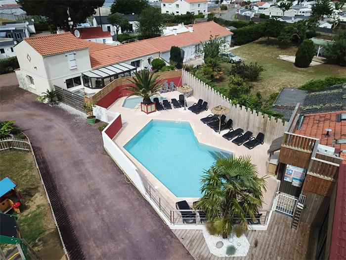 piscine du camping calme à Saint Gilles croix de Vie