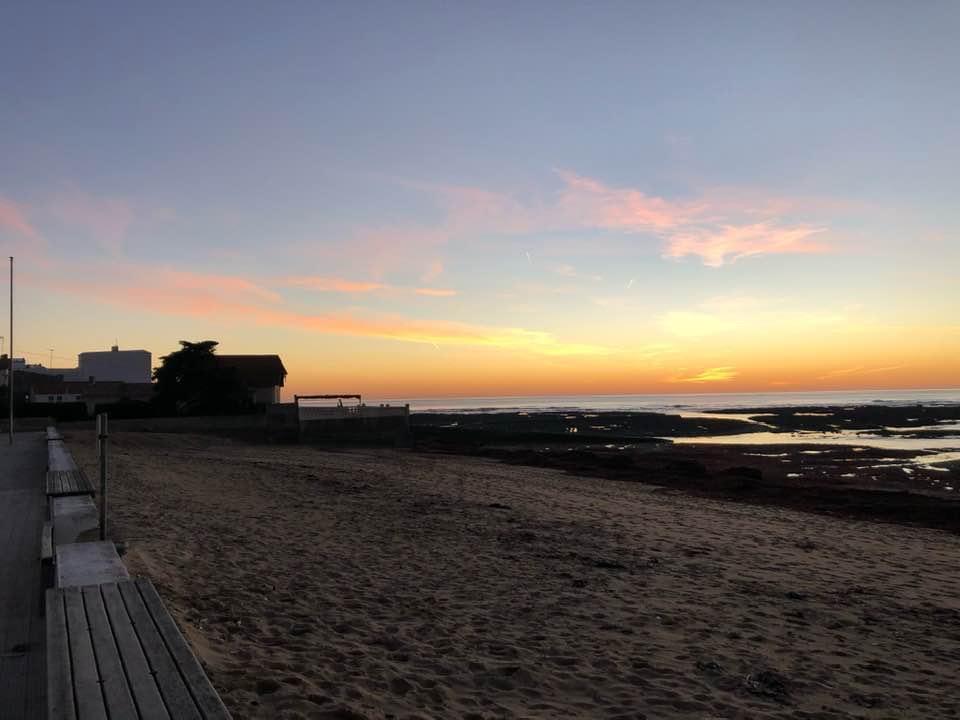 plage soleil couchant